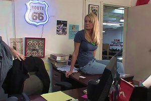 Flexible Brunette Unpinning Jeans To Be Ravished Hardcore Missionary